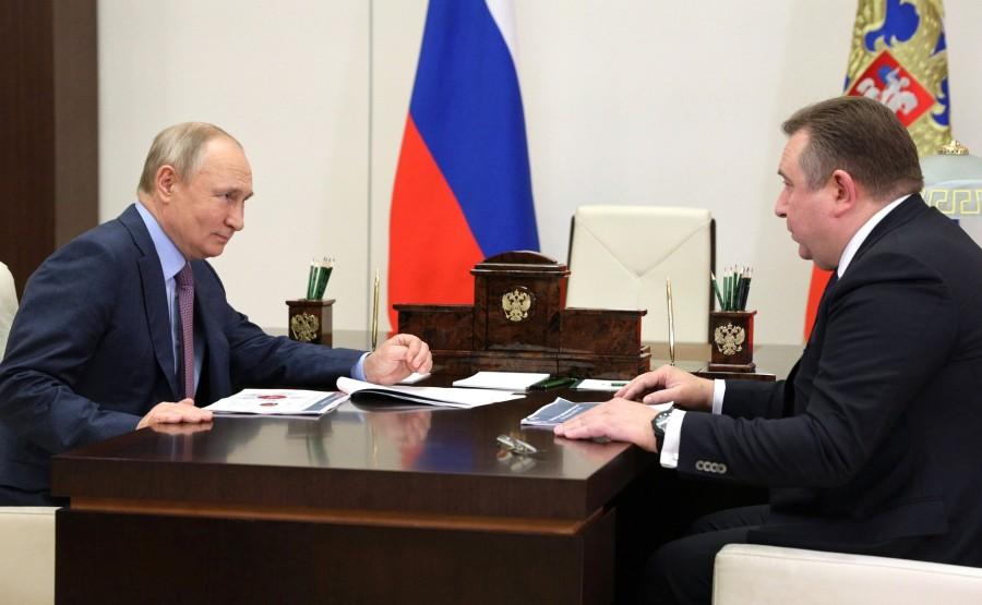 Kremlin - 1 XX 3 DU 22.07.2021 Rencontre avec le PDG de United Shipbuilding Corporation Alexei Rakhmanov - 22 juillet 2021