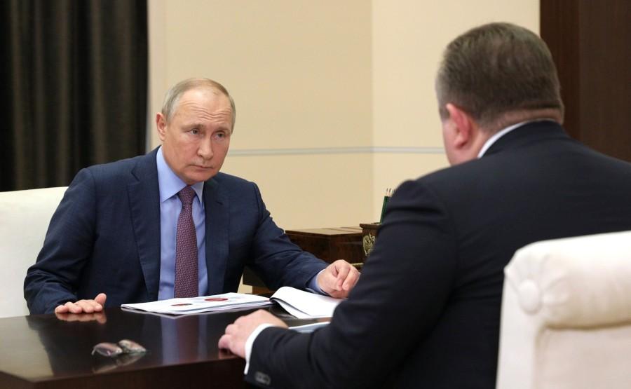 Kremlin - 2 XX 3 DU 22.07.2021 Rencontre avec le PDG de United Shipbuilding Corporation Alexei Rakhmanov - 22 juillet 2021